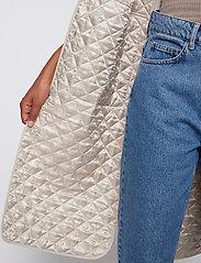 Just Female - Hisar vest - puffer vests - pumice stone - 4