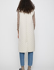 Just Female - Hisar vest - puffer vests - pumice stone - 6