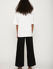 Just Female - Kyoto long tee - t-shirts - white - 3