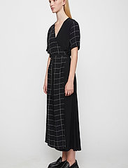 Just Female - Halle maxi wrap dress - everyday dresses - half check aop - 3