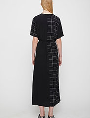 Just Female - Halle maxi wrap dress - everyday dresses - half check aop - 5