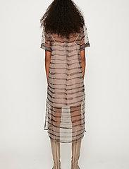 Just Female - Moca polo dress - midi dresses - uneaven lines aop - 6