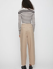 Just Female - Cayenne trousers - wide leg trousers - cobblestone - 3
