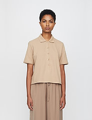 Just Female - Santo polo shirt - polo shirts - pine bark - 0