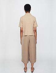 Just Female - Santo polo shirt - polo shirts - pine bark - 3