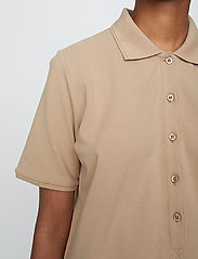 Just Female - Santo polo shirt - polo shirts - pine bark - 4
