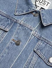Just Female - Thunder jacket 0104 - denim jackets - middle blue mix - 7
