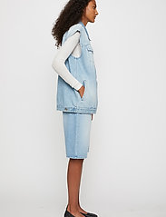 Just Female - Cloud vest 0101 - knitted vests - light waterblue - 3