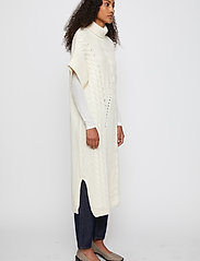 Just Female - Via knit vest - knitted vests - off white - 7