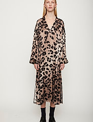 Just Female - Laguna dress - vardagsklänningar - leopard - 0