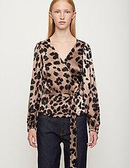 Just Female - Laguna blouse - long sleeved blouses - leopard - 0
