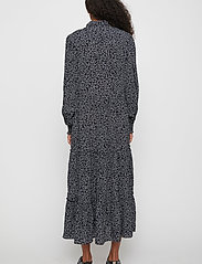 Just Female - Colombo Maxi Dress - vardagsklänningar - noise aop - 4