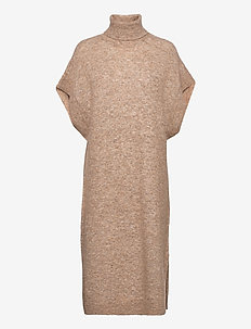 Coco long knit - strikkede kjoler - nude
