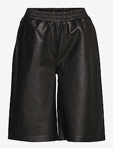 Paso leather bermuda - leather shorts - black