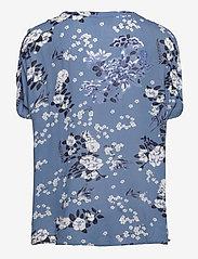 Kaffe - KAekua Amber Blouse - kortærmede bluser - blue tone flower print - 2