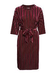 Elsabeth Velvet Dress - WILD ASTER