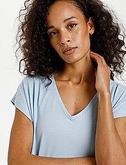Kaffe - KAlise SS T-shirt - t-shirts - chambray blue - 5