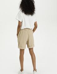 Kaffe - KAnaya Shorts - shorts casual - classic sand - 4