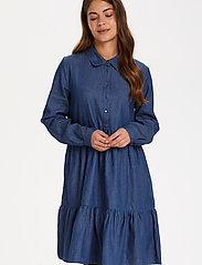Kaffe - KAtiona Dress - blousejurken - blue denim - 0