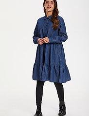 Kaffe - KAtiona Dress - blousejurken - blue denim - 3