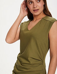 Kaffe - India V-Neck Dress - hverdagskjoler - capulet olive - 5