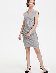 Kaffe - India V-Neck Dress - hverdagskjoler - grey melange - 3