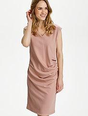 Kaffe - India V-Neck Dress - hverdagskjoler - misty rose - 0
