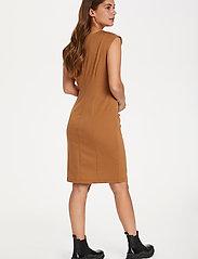 Kaffe - India Round-Neck Dress - midi kjoler - thrush - 4