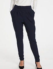 Kaffe - Jillian Pants - stuprörsbyxor - midnight marine - 0