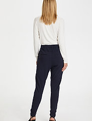 Kaffe - Jillian Pants - stuprörsbyxor - midnight marine - 3