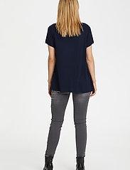 Kaffe - Anna V-Neck T-Shirt - t-shirts - midnight marine - 3
