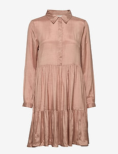 KAdenike Dress - skjortekjoler - roebuck
