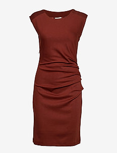 India Round-Neck Dress - CHERRY MAHOGANY
