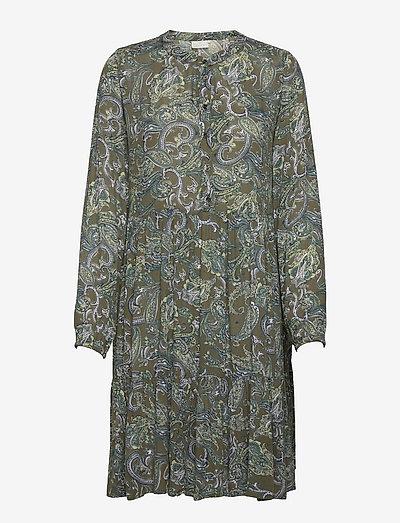KAevity Amber Dress - kesämekot - green paisley print