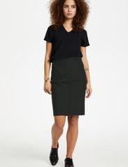 Karen By Simonsen - SydneyKB Pencil Skirt - midi kjolar - black - 3