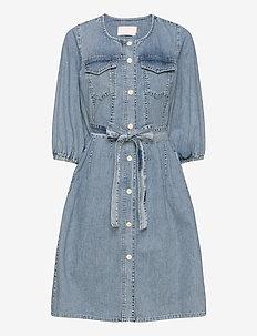 BrookeKB Denim Dress - jeansowe sukienki - light vintage wash