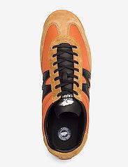 Karhu - ChampionAir - matalavartiset tennarit - jaffa orange/black - 3