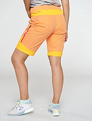 Kari Traa - SANNE SHORTS - wandel korte broek - melon - 5