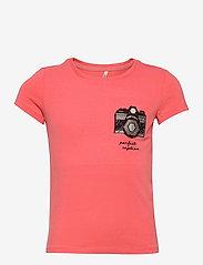 Kids Only - KONKITA LIFE REG S/S TOP CAMERA/LOVE JRS - t-shirts - sugar coral - 0