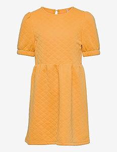 KONMEDINA S/S PUFF DRESS SWT - kleider - cornsilk