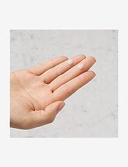 Kiehl's - Vital Skin-Strengthening Serum - seerumit - clear - 3