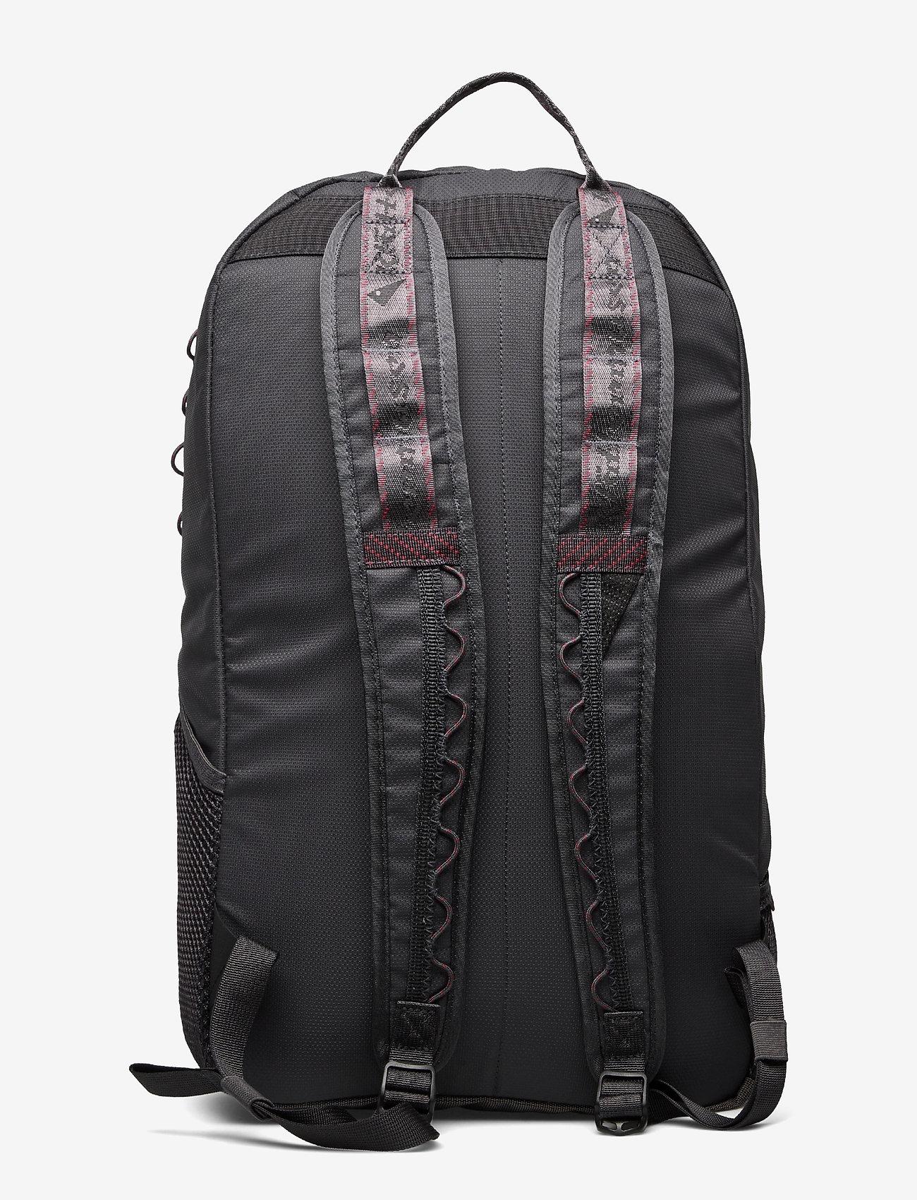 Klättermusen - Wunja Backpack 21L - sportstasker - raven - 1