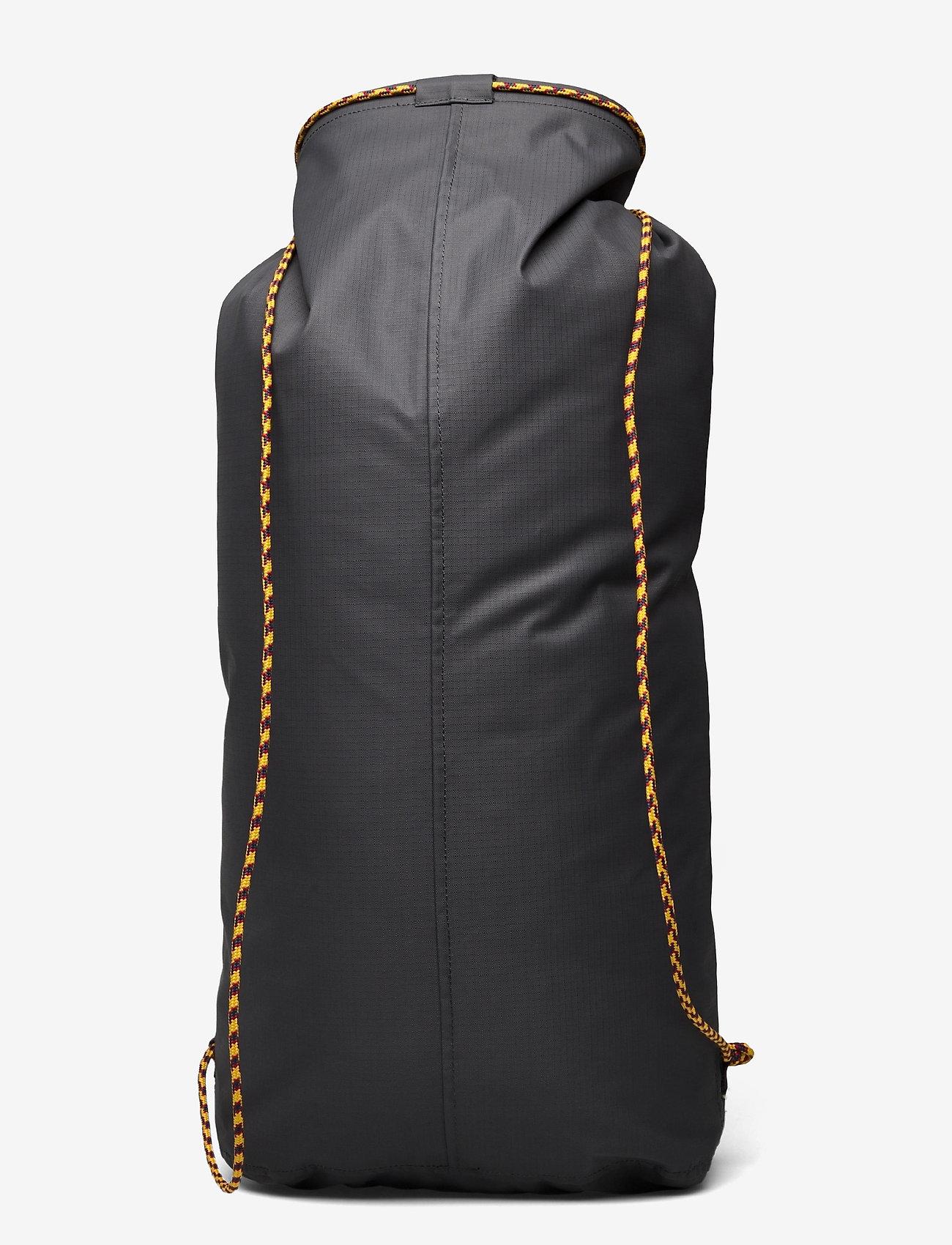 Klättermusen - Lagu Waterproof Stuff Bag 20L - sportstasker - raven - 1