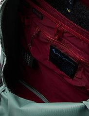 Klättermusen - Wunja Backpack 21L - sportstasker - brush green - 3