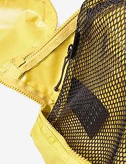 Klättermusen - Jera Travel Organizer 3L - sportstasker - dusty yellow - 3