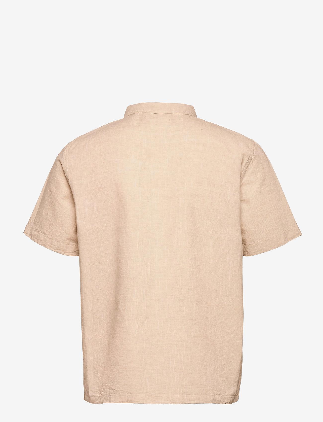 Knowledge Cotton Apparel - WAVE Cuban collar SS shirt w/chest - linnen overhemden - light feather gray - 1