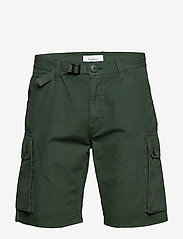 Knowledge Cotton Apparel - TREK durable rib-stop shorts - GOTS - cargo shorts - pineneedle - 1