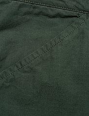 Knowledge Cotton Apparel - TREK durable rib-stop shorts - GOTS - cargo shorts - pineneedle - 3