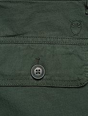 Knowledge Cotton Apparel - TREK durable rib-stop shorts - GOTS - cargo shorts - pineneedle - 5