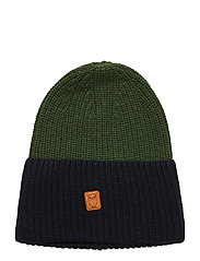 Two colored hat - GOTS - GREEN FOREST